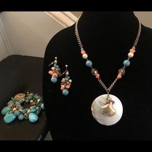 Jewelry - Turquoise seashell charm parure